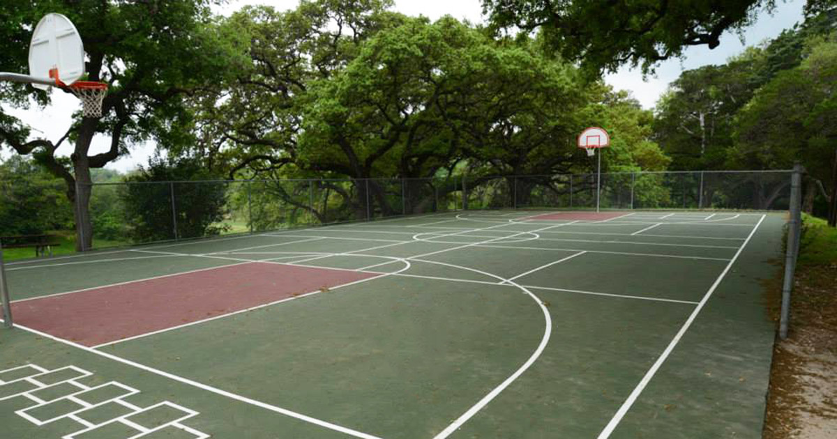 2 Han Recreation Center Basketball Court