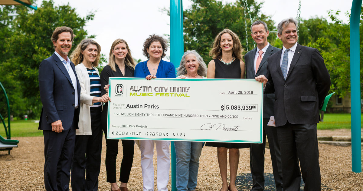 austin parks foundation and austin city limits musical festival check presentation