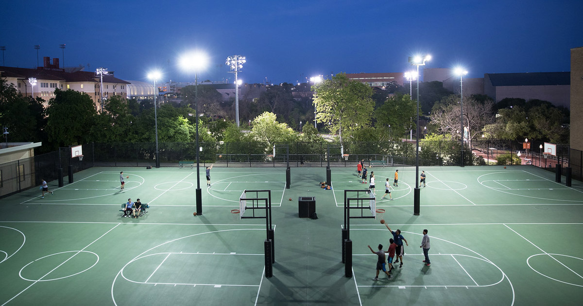 10 Outdoor & Indoor Basketball Courts in ATX | Austin Parks