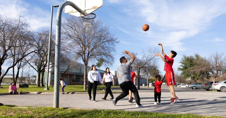 10 Outdoor Indoor Basketball Courts In Austin Austin Parks Foundation