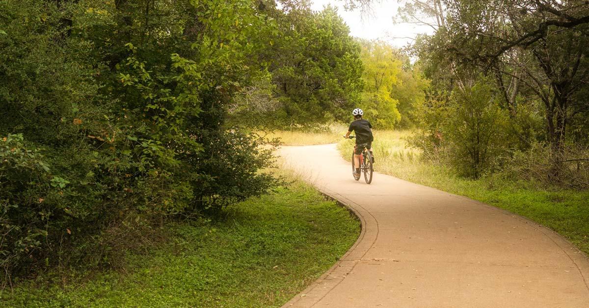 dick nichols district park paved trail in southwest austin